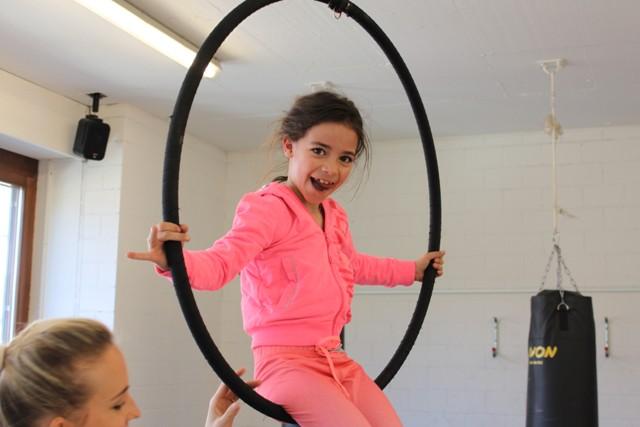 Matchless Tanzschule ZugAerial Artistik Hoop Kurs