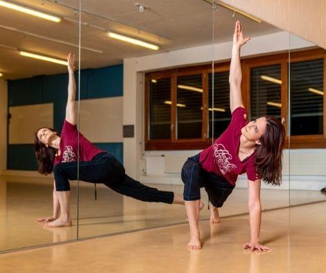 Matchless Tanzschule Zug Dozentin Fabienne Jaques Workout Fitness Kurse